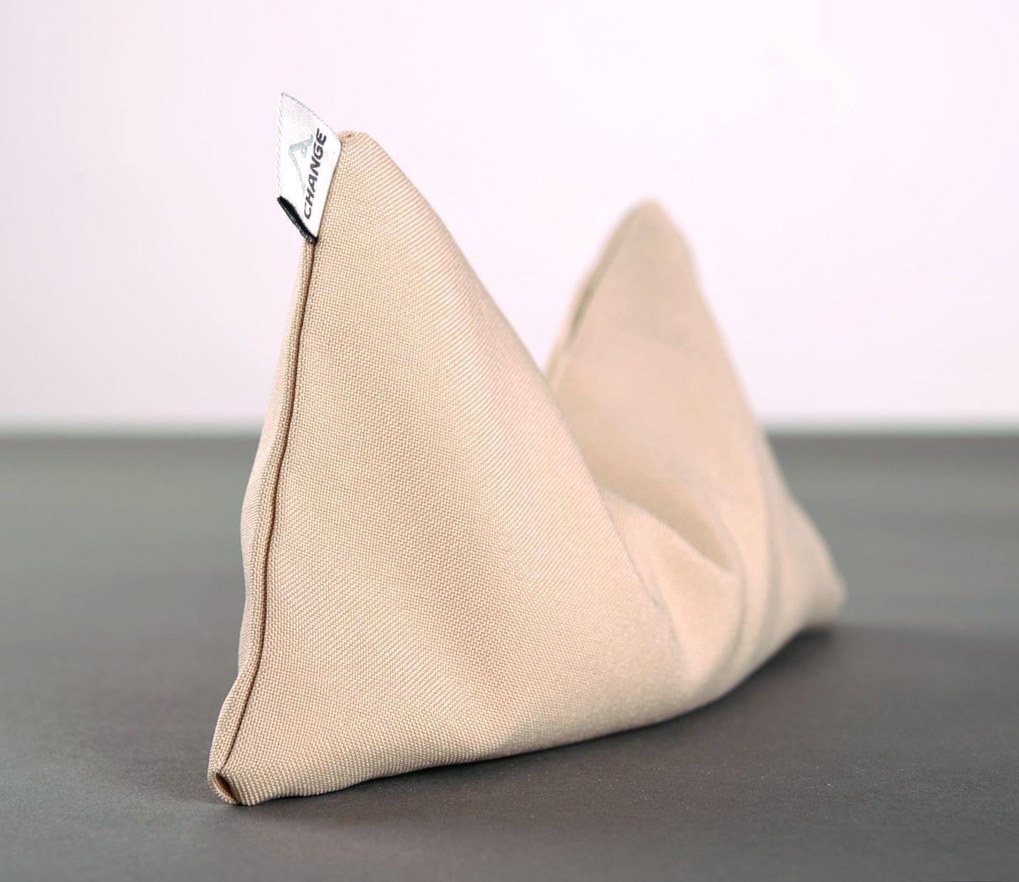 Yoga pillow with quartz sand photo 5