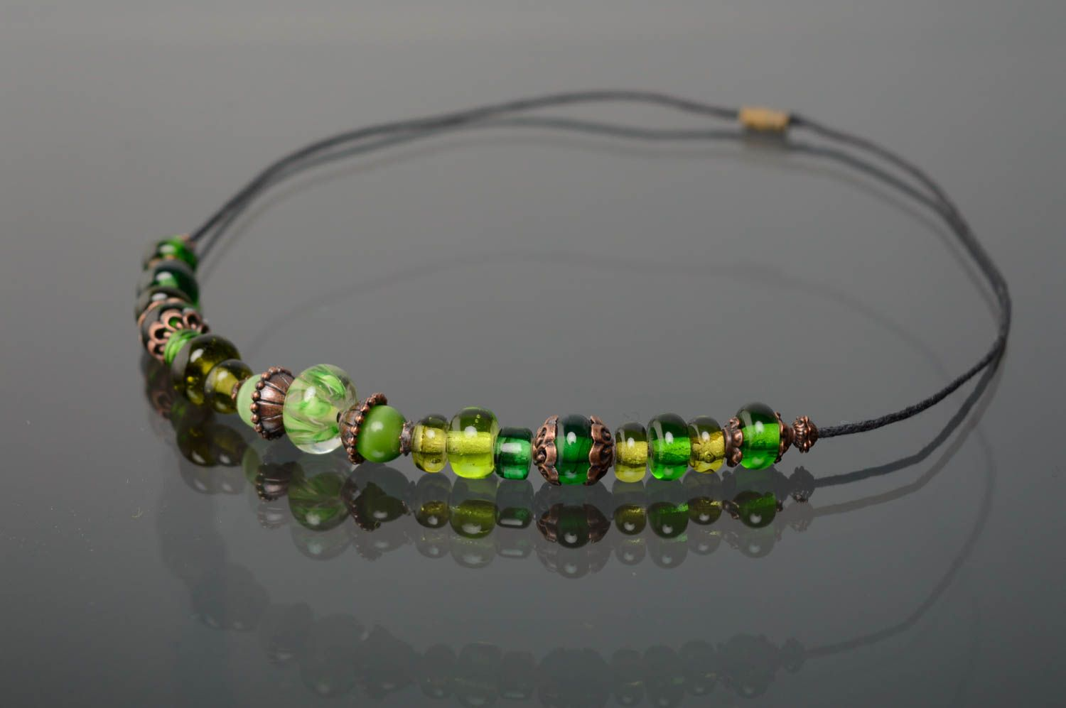 Lampwork bead necklace of green color photo 1