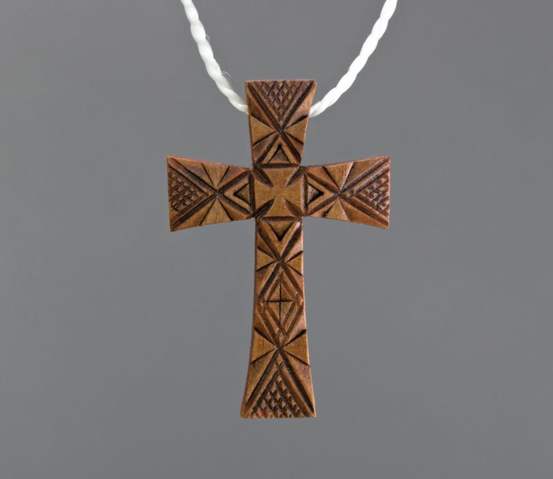 Крест в машину деревянный своими руками