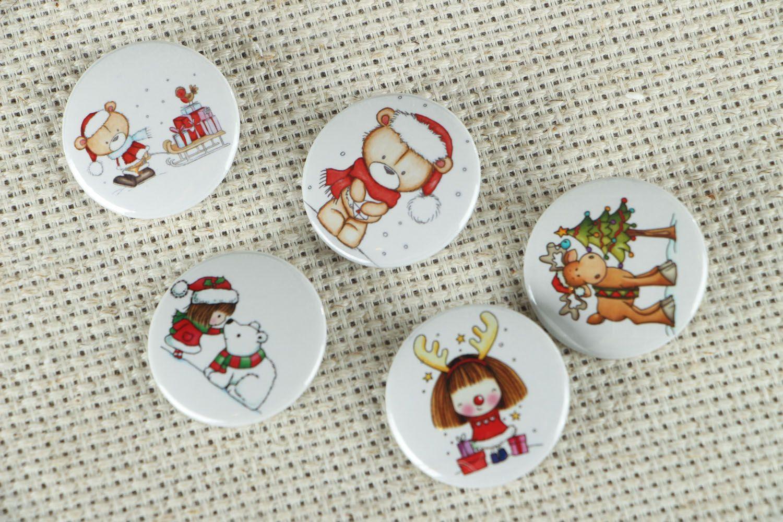 Set of children's badges Christmas photo 1