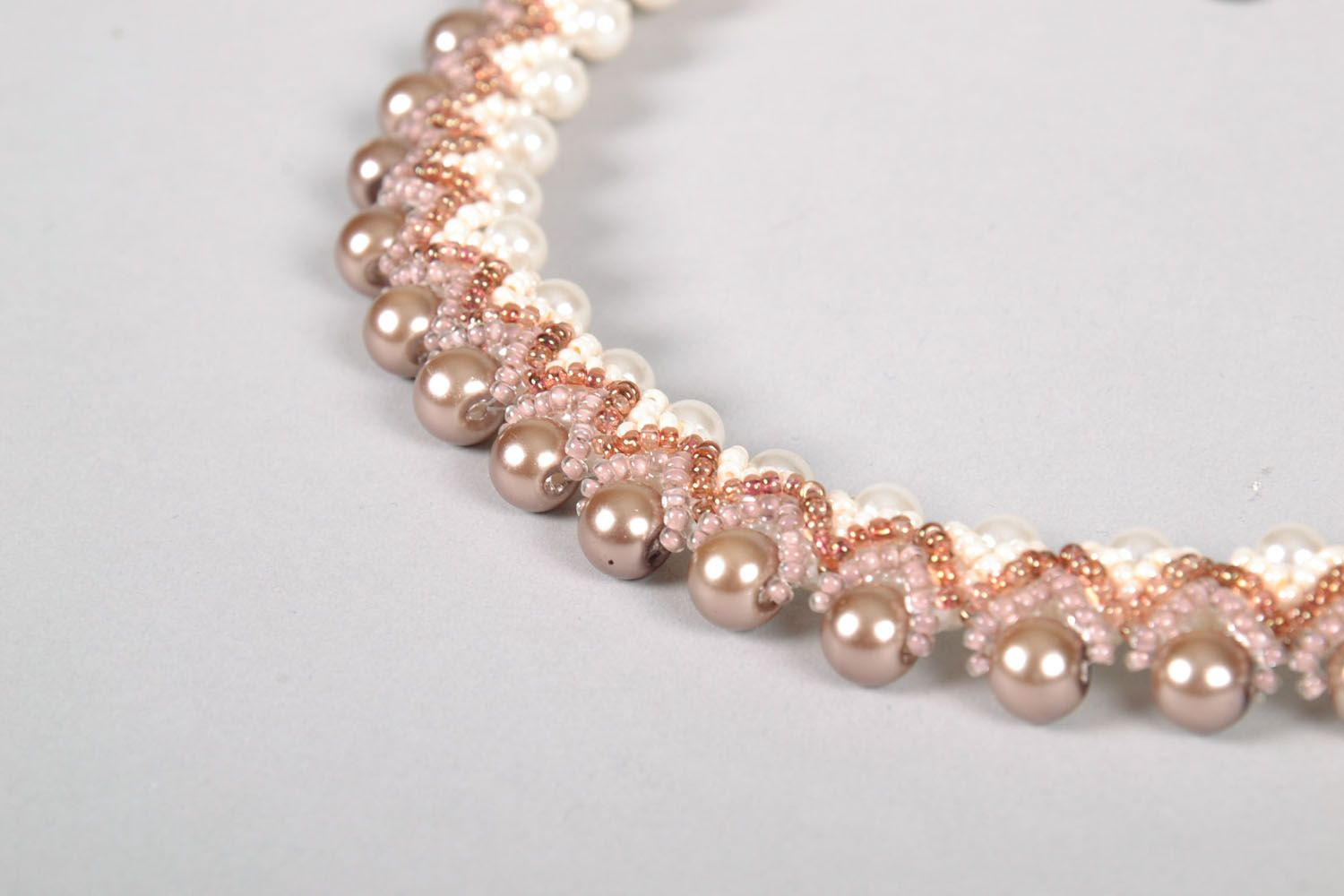 Necklace made of artificial pearl photo 4
