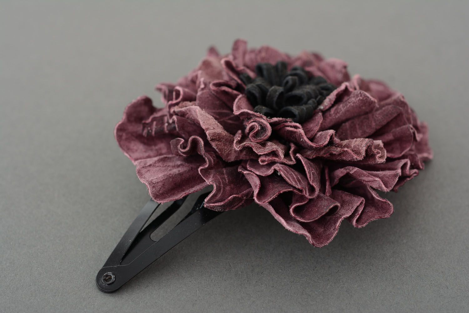 Leather hairpin with beautiful flower photo 3