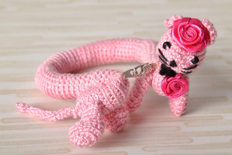 Pink wrist bracelet photo 1