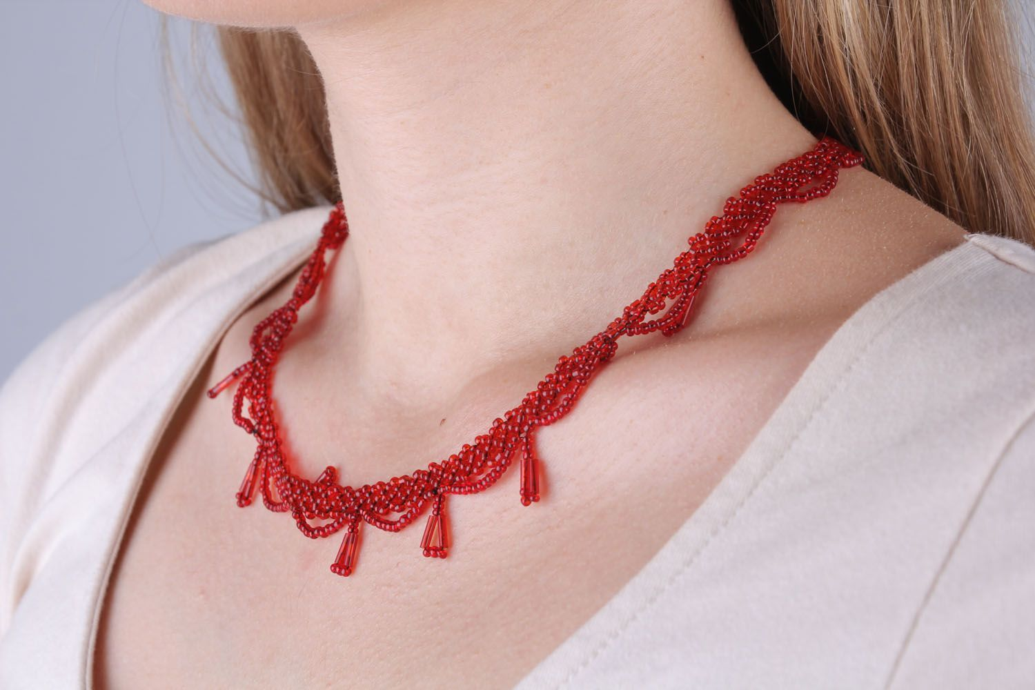 Red beaded necklace photo 5