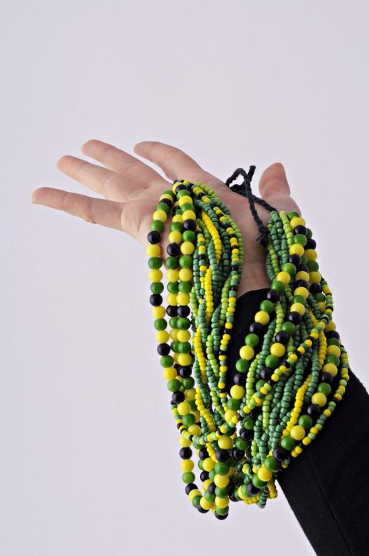 Зеленые бусы из бисера фото 5