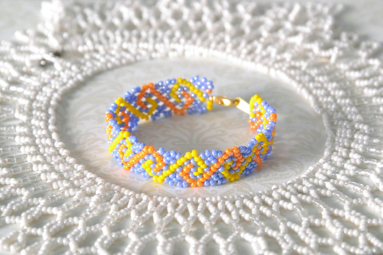 Нежный браслет из бисера фото 1