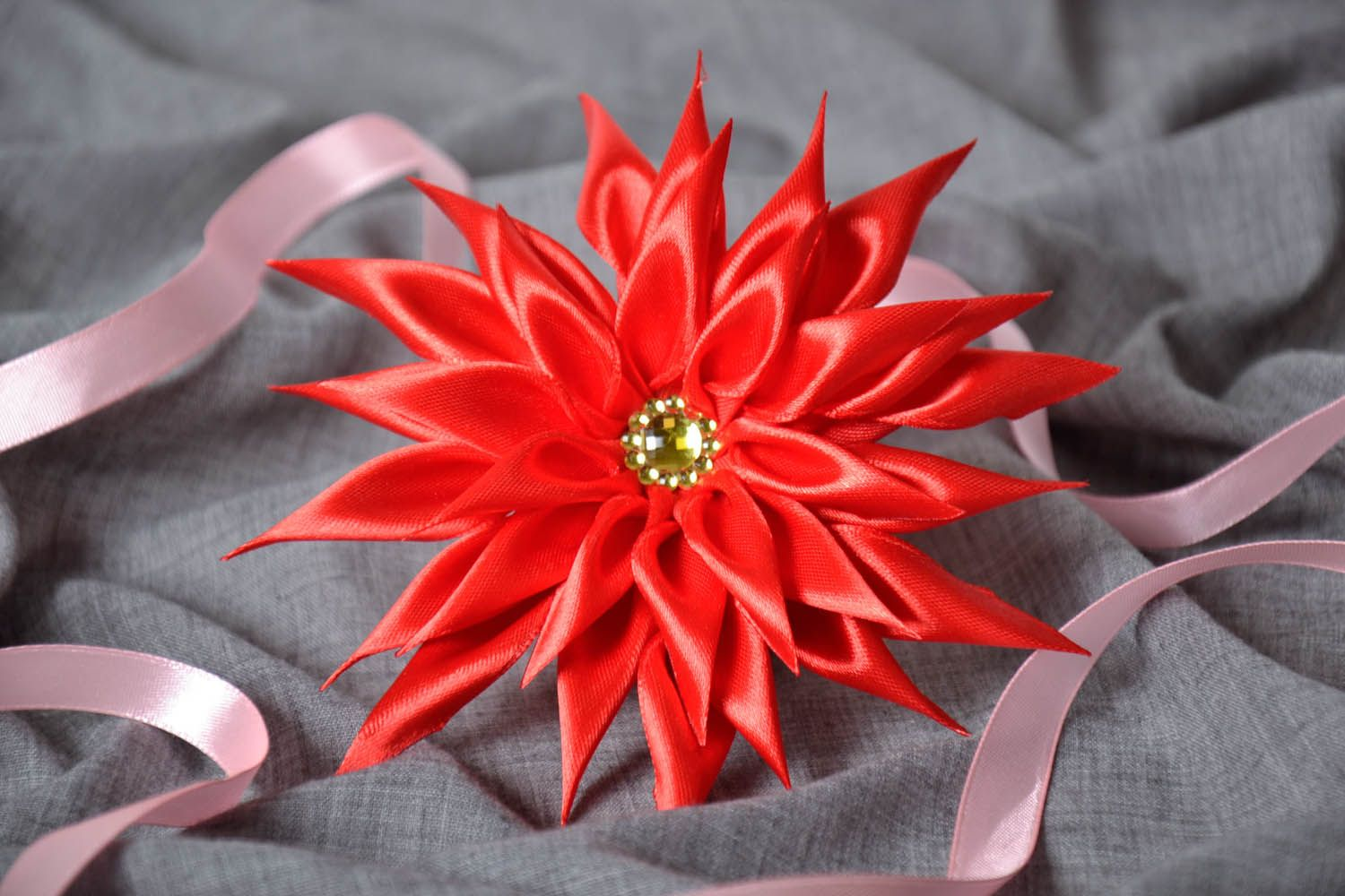 Red scrunchy Astra photo 1