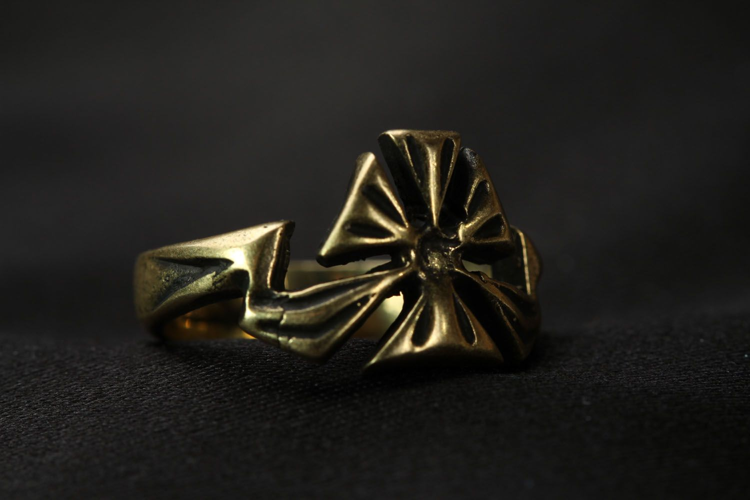 Bronze ring Flower photo 4