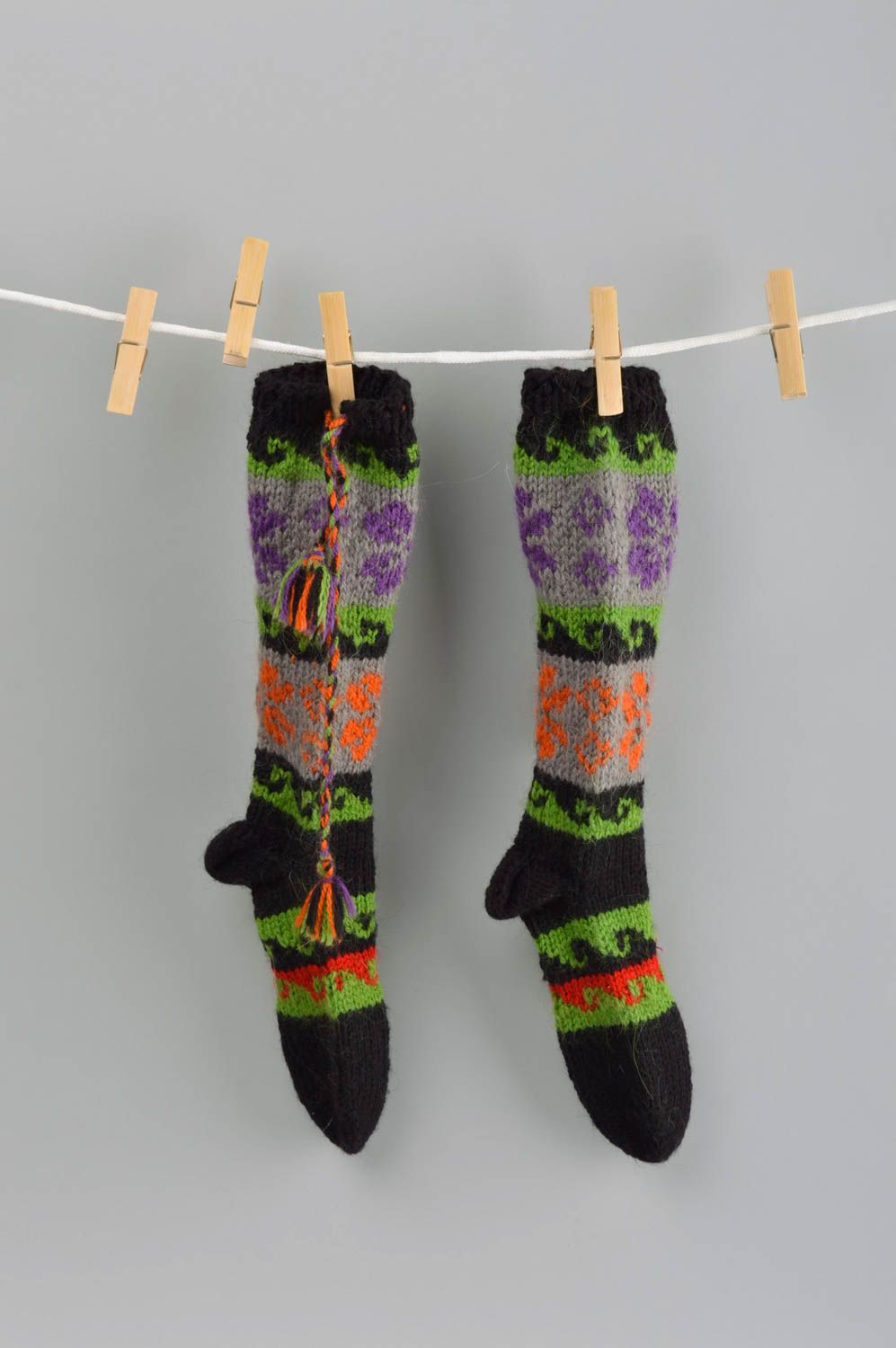 Notice: Undefined variable: cat in /home/newmadeheart/prod/cache/volt/%%home%%newmadeheart%%prod%%app%%views%%product%%index.volt.php on line 139  Unusual handmade knitted socks warm wool socks for kids handmade accessories - MADEheart.com