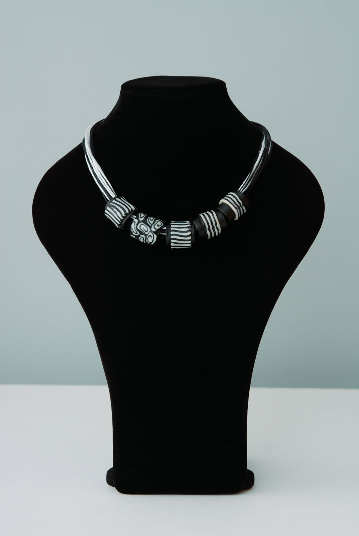 Polymerton Halskette Zebra foto 1