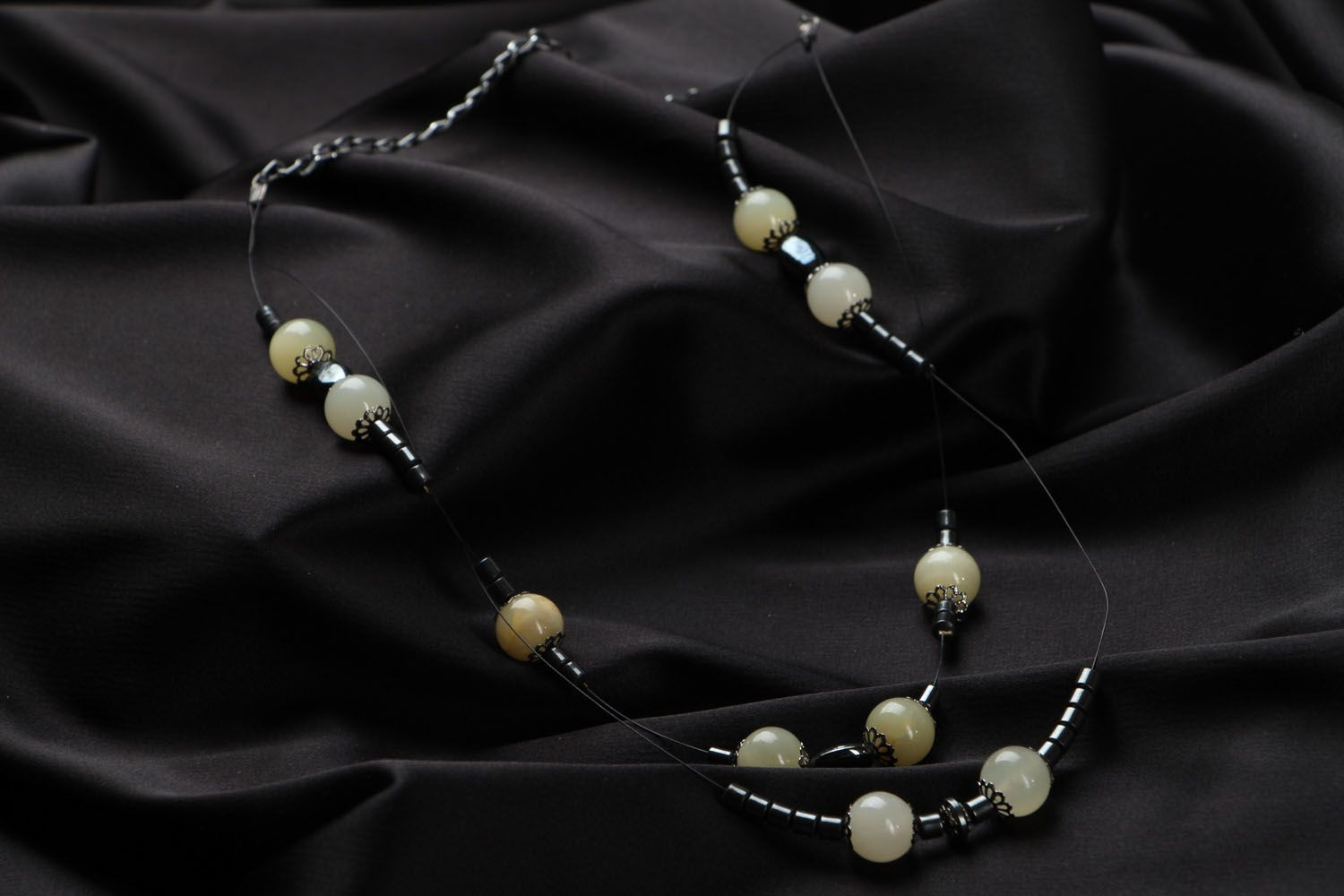 Necklace made of onyx and hematite photo 2