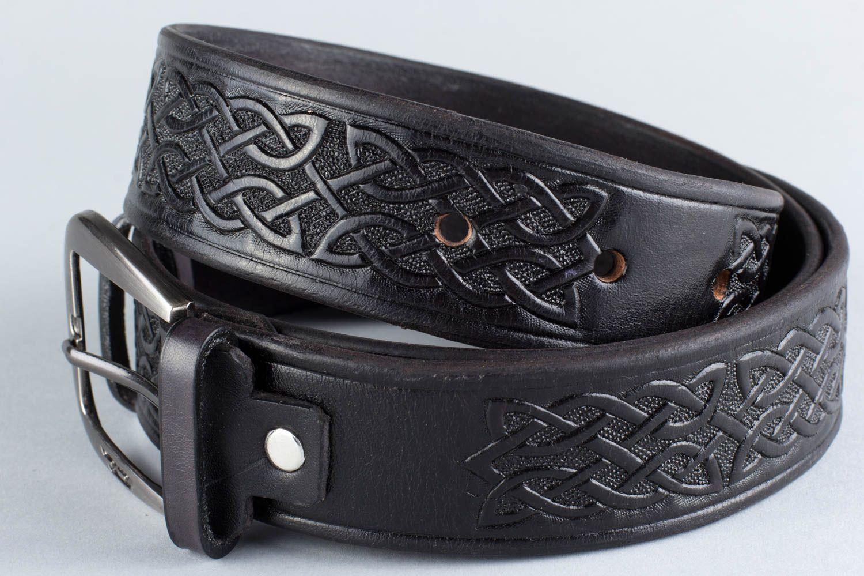 7cb1b6322d4 ceintures Ceinture en cuir noir faite main avec boucle métallique avec  motif celtique - MADEheart.