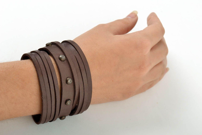 Широкий кожаный браслет хэнд мэйд интересный браслет на руку украшение из кожи фото 1