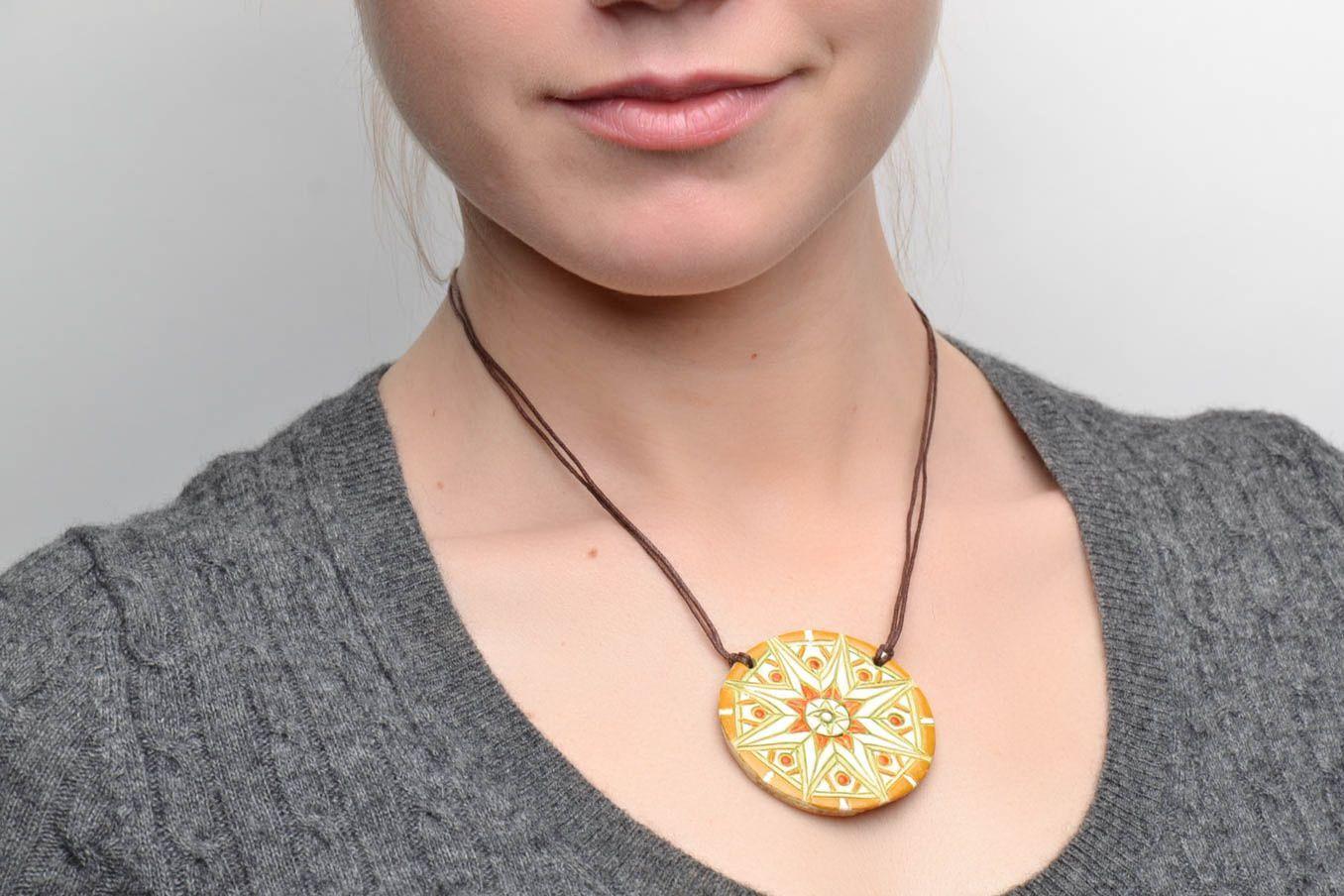 Clay neck pendant photo 2