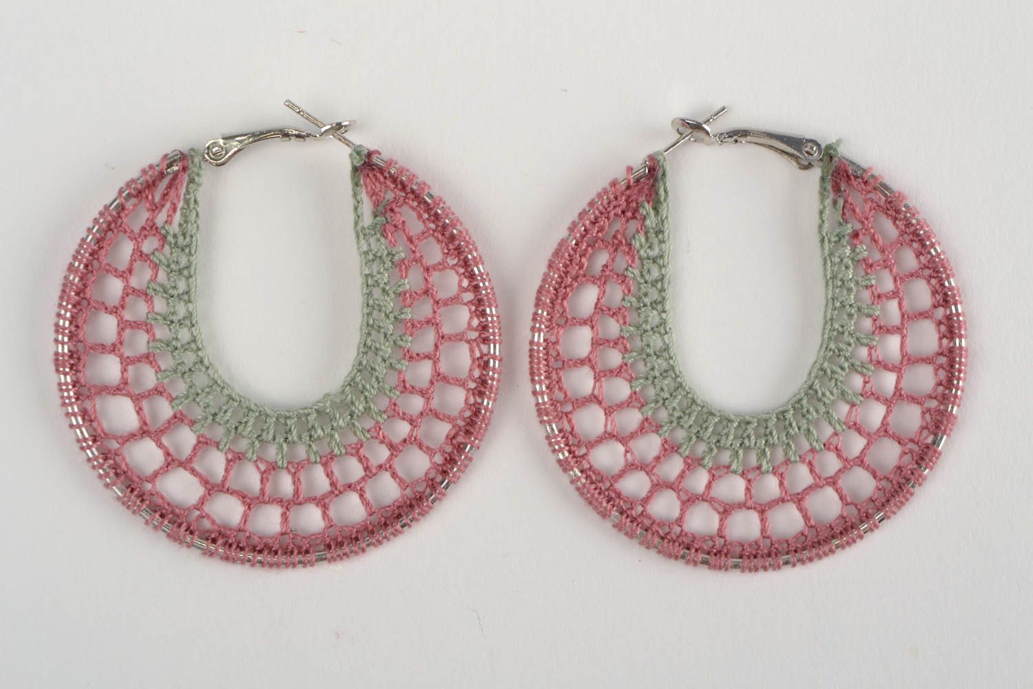 Handmade designer ring shaped thread woven dangling earrings with metal basis photo 3