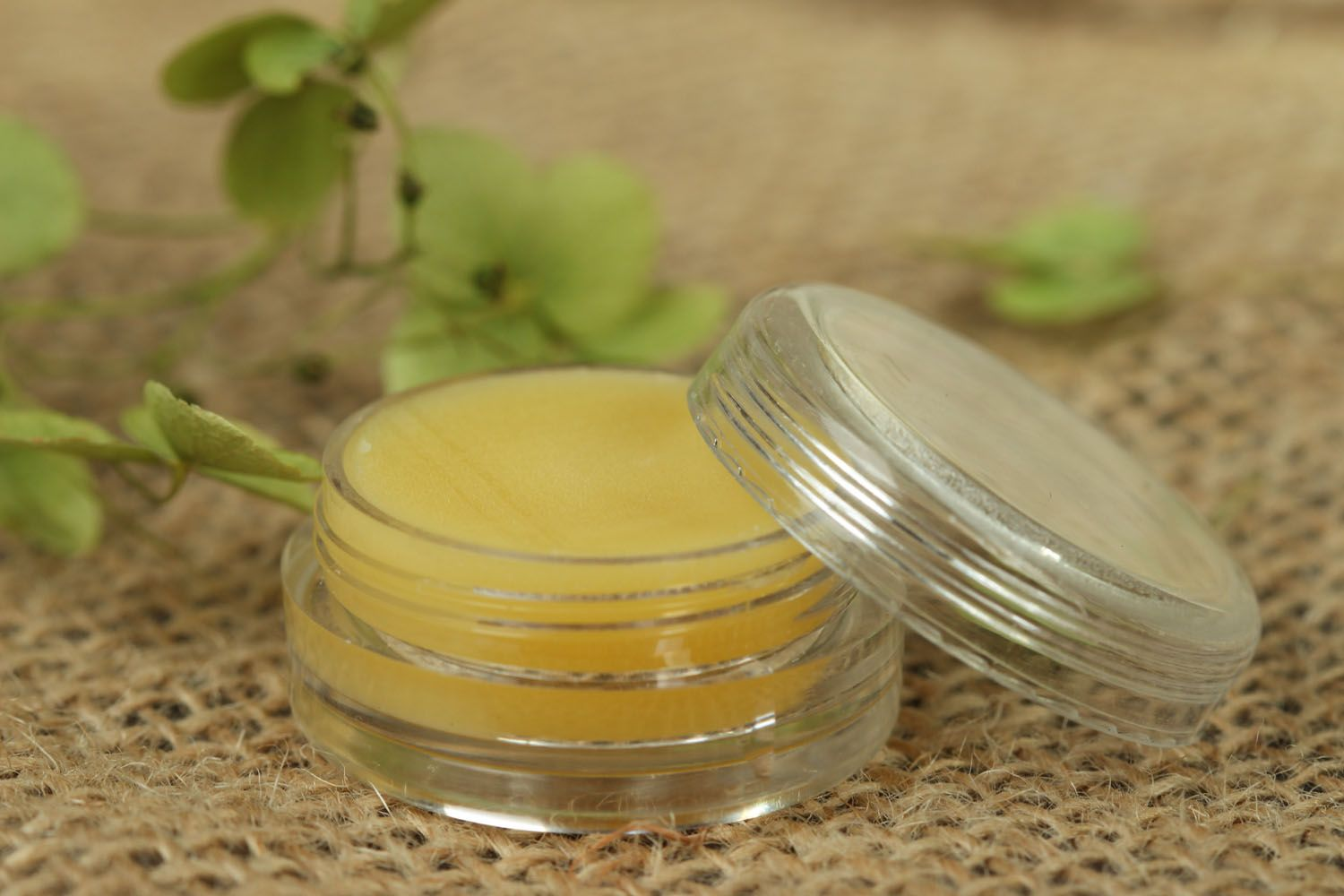 Solid floral perfume photo 2