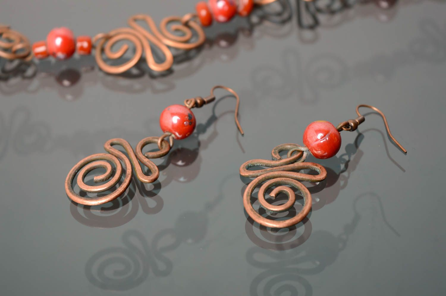 Handmade copper earrings with Indian beads photo 4