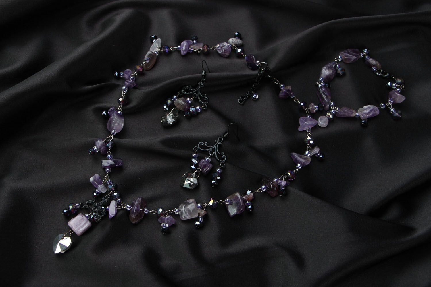 Jewelry set with amethyst and crystal photo 1