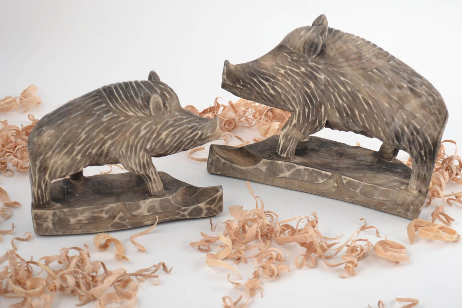 Set Of 2 Handmade Collectible Wooden Animal Figurines Small And Big Boars