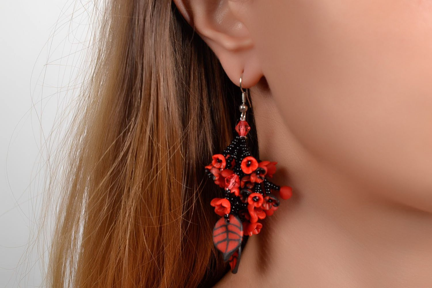 Long black and red earrings photo 2