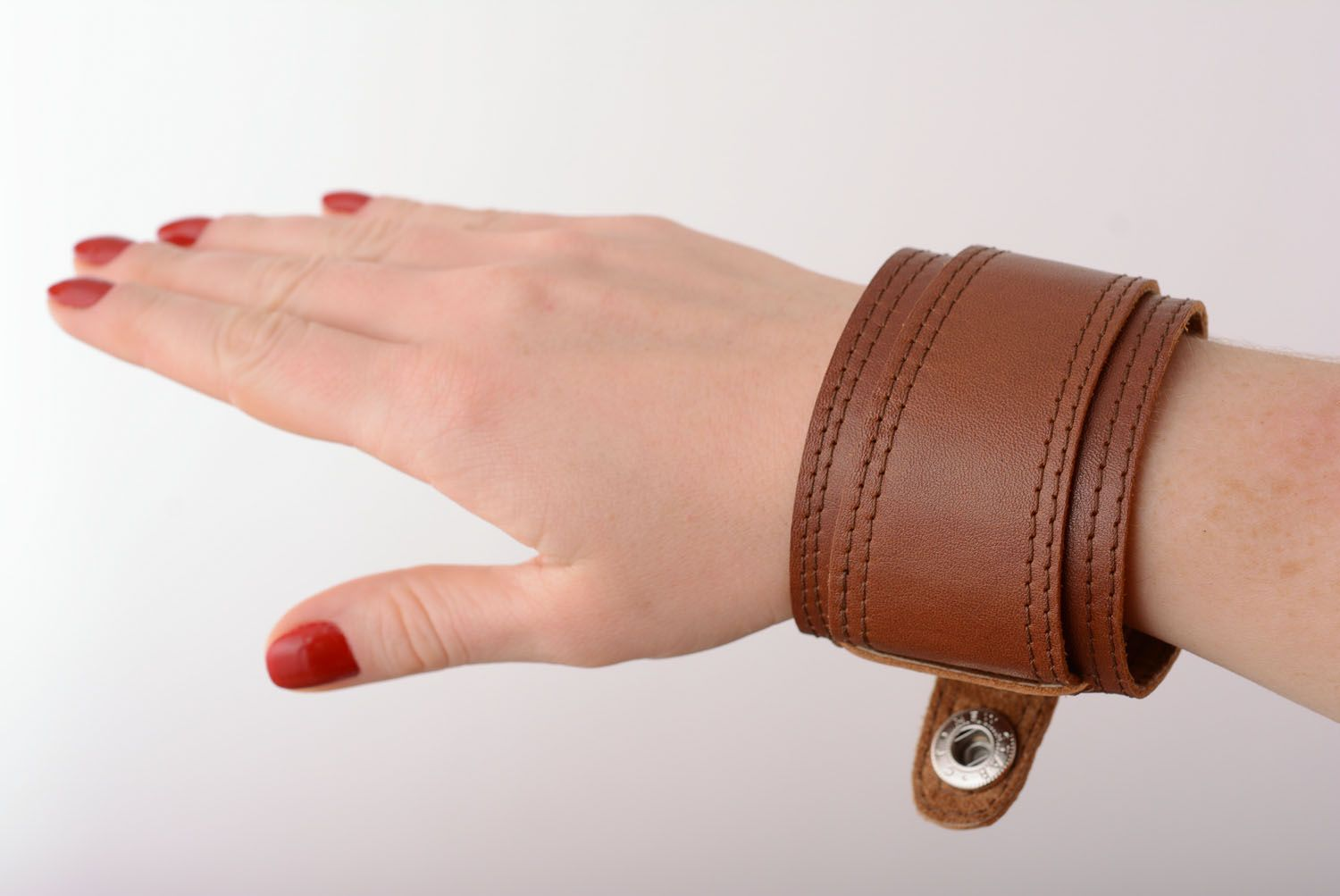 Brown leather bracelet photo 1