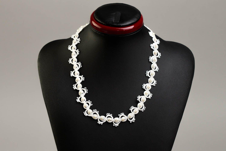 8efb2e871ce6 Collar artesanal de hilos blancos accesorio para mujeres bisutería fina
