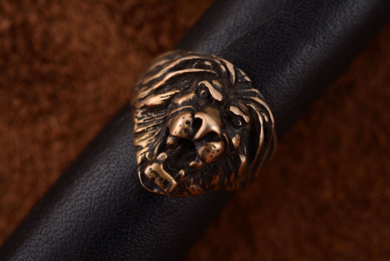 Bronze ring Lion photo 2