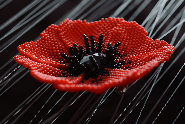 Beaded brooch Poppy photo 1