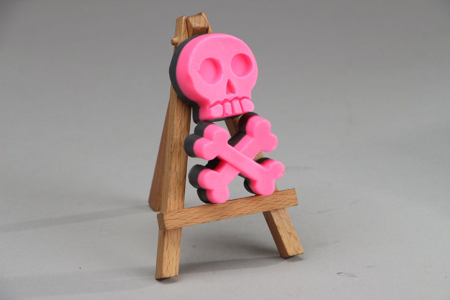 Natural soap in the shape of a skull with bones photo 2