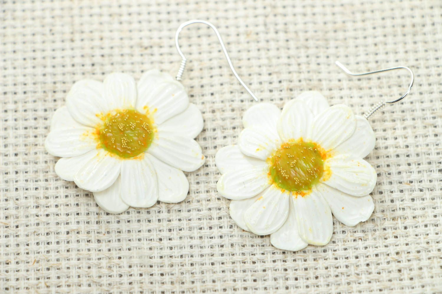 Polymer clay camomile earrings photo 1
