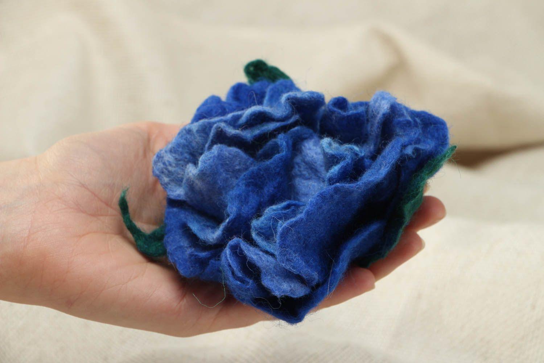 Wool brooch in the shape of blue peony photo 4