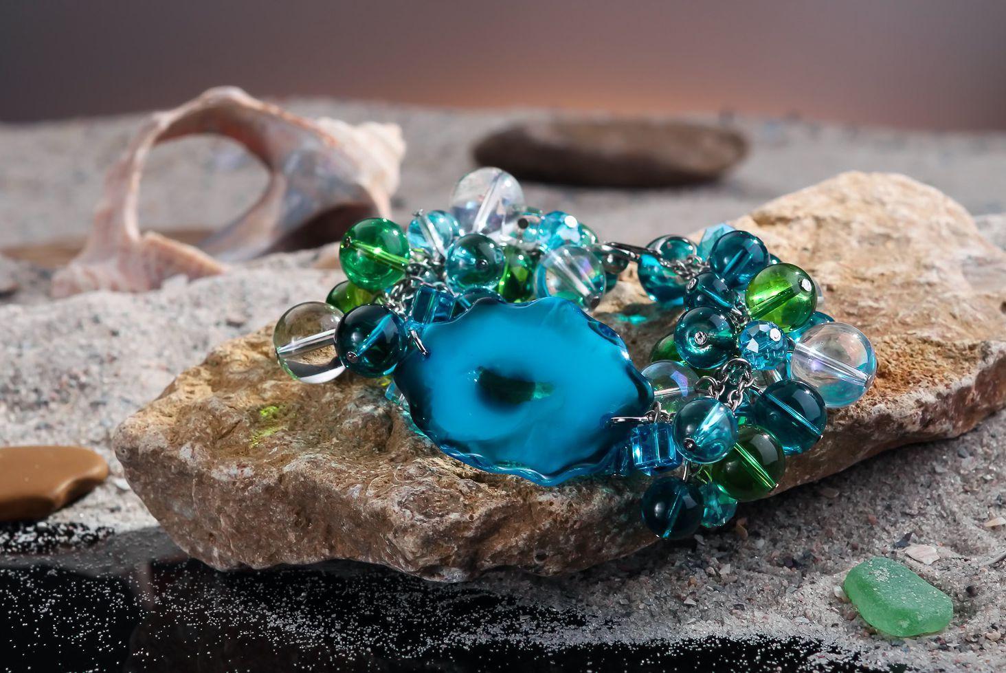 Handmade bracelet made of Czech glass-1