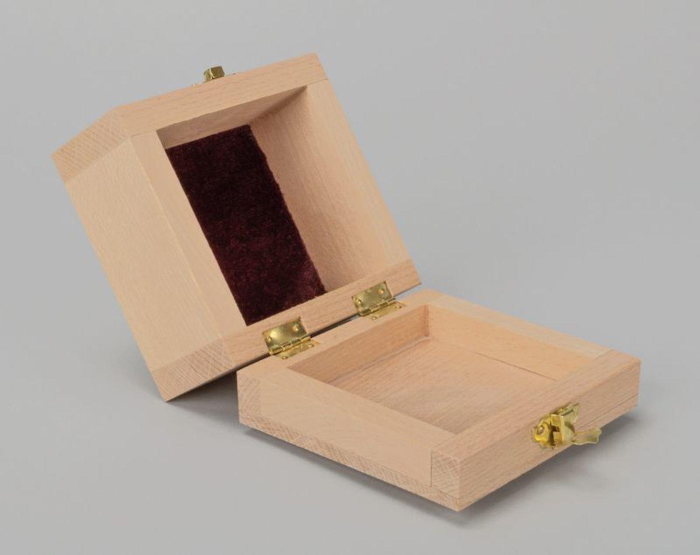 Декупаж заготовки коробки