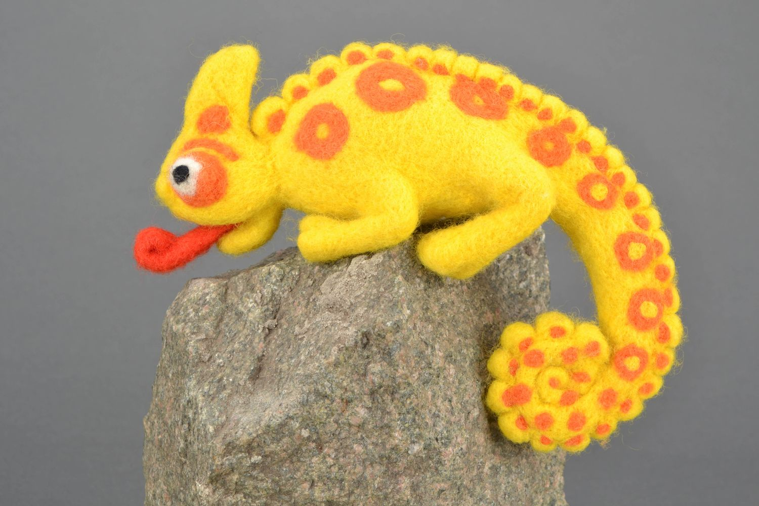 Handmade felt toy Chameleon photo 1