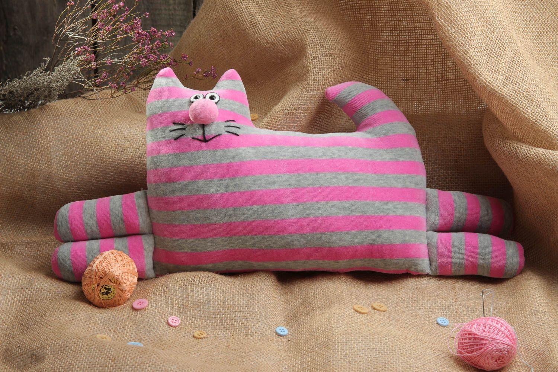 Картинки кот подушка