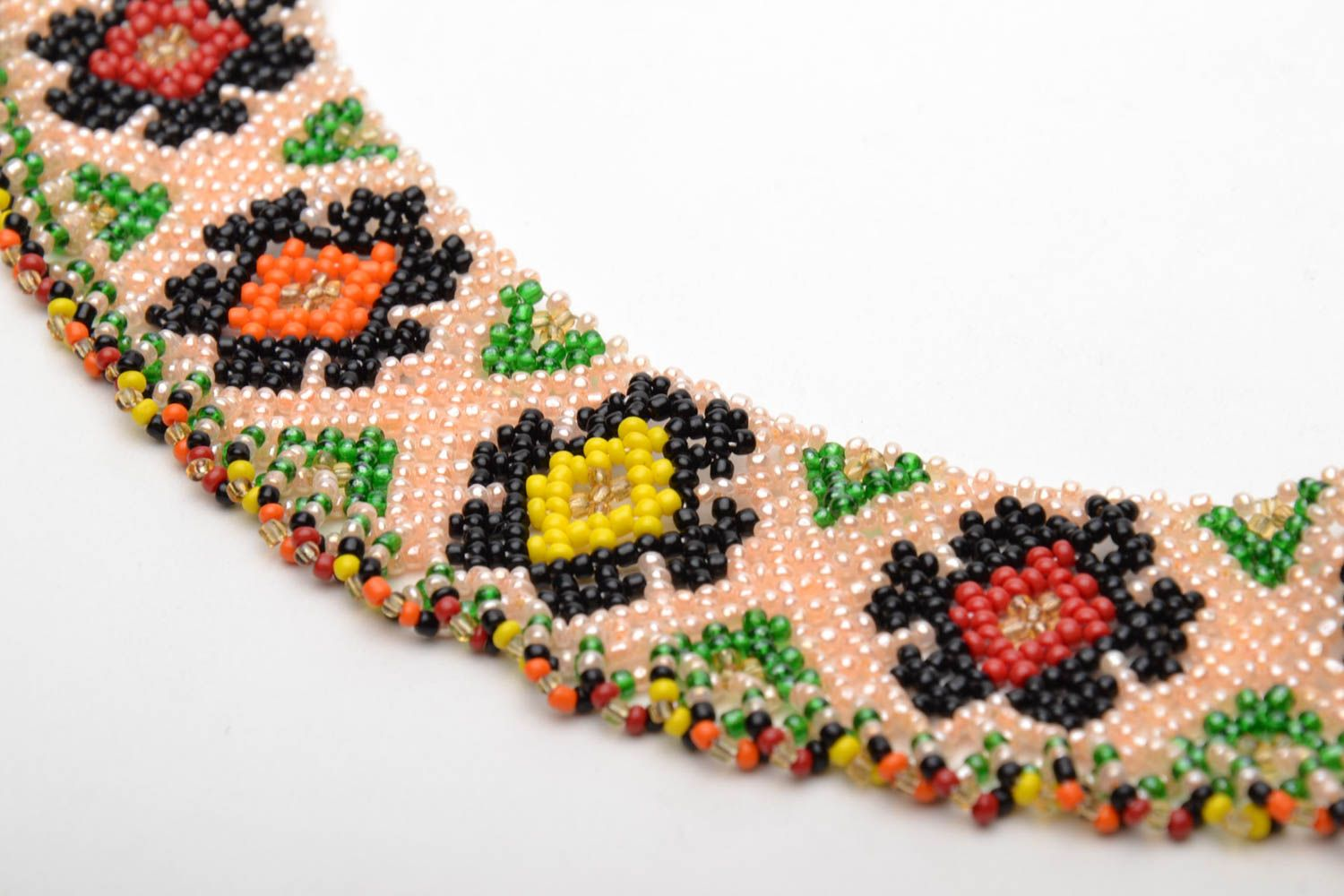 Wide beaded necklace in ethnic style photo 4