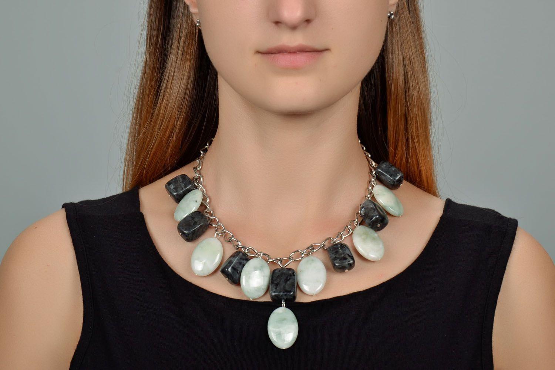 Elegant necklace with nephrite and labradorite photo 1