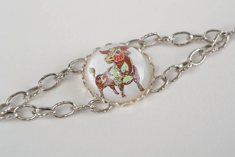 Pulsera de metal y cristal en cadenita artesanal bonita Tauro foto 2
