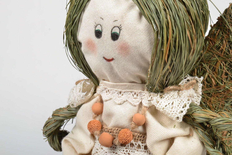 Anjinho de erva e palha  foto 3