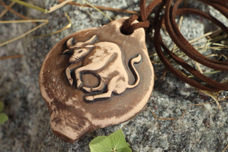 Ceramic pendant whistle Bull photo 1