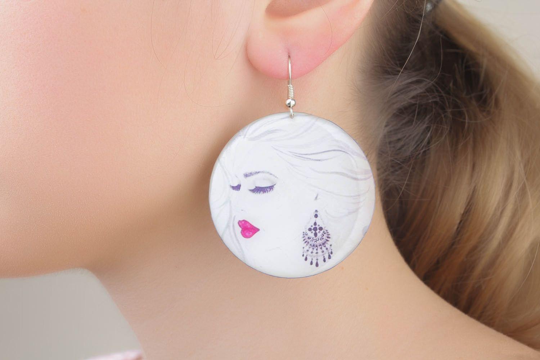 Earrings made of epoxy resin photo 4