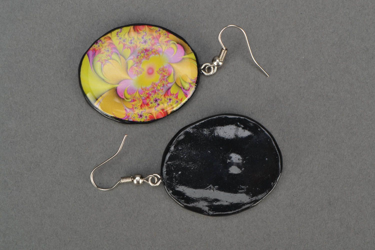 Round designer earrings  photo 4