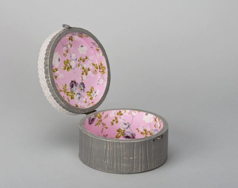 Round jewelry box photo 3