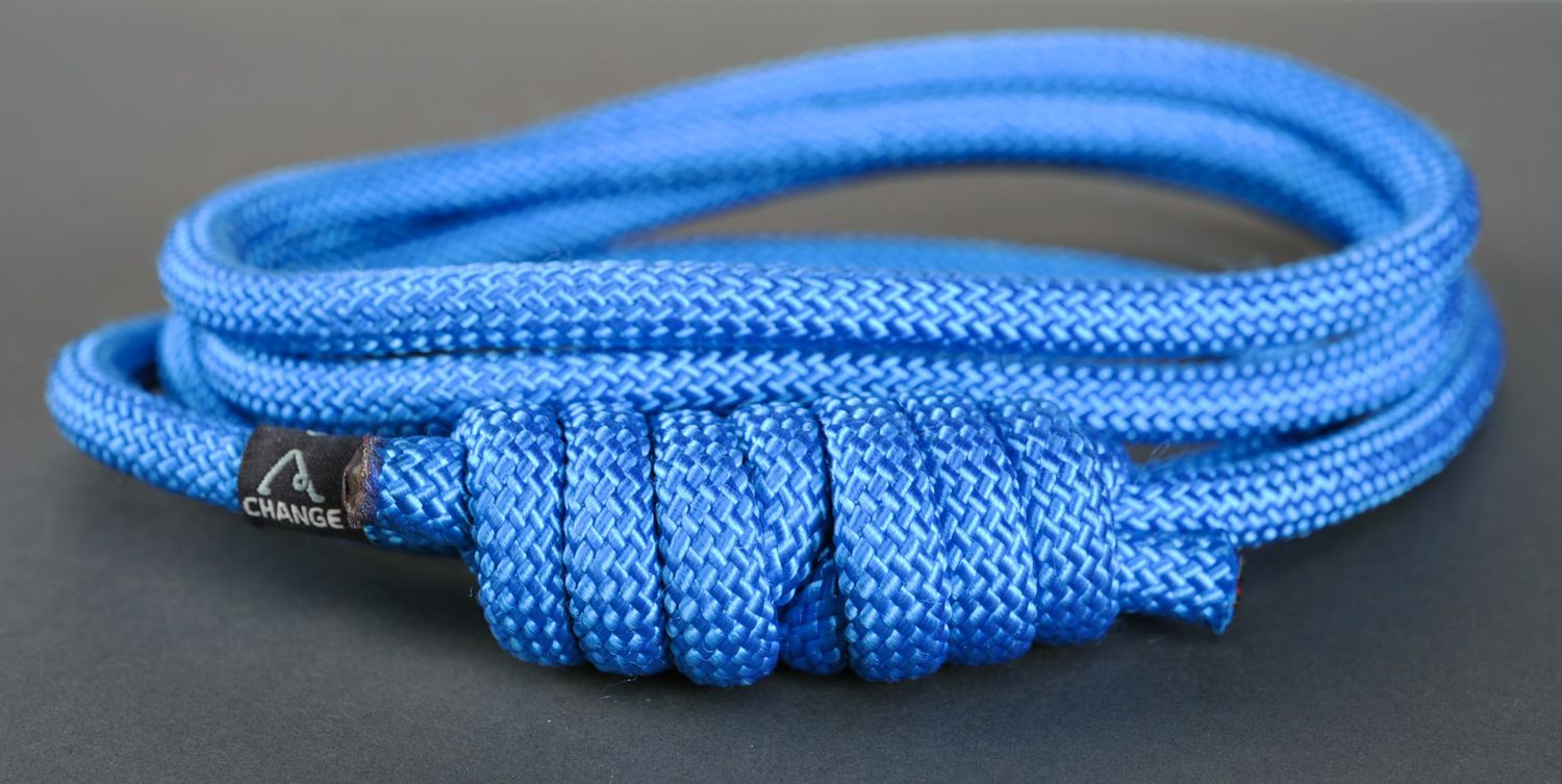 Rope with a knot for yoga practice  photo 1