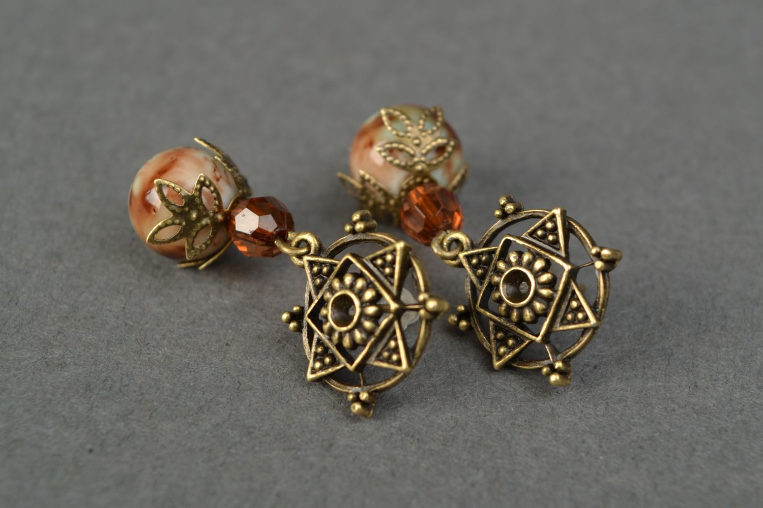 Beautiful unusual vintage earrings photo 3