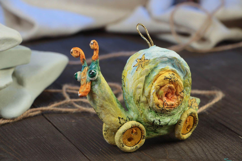 MADEHEART > Figurilla artesanal de papel maché colgante decorativo ...