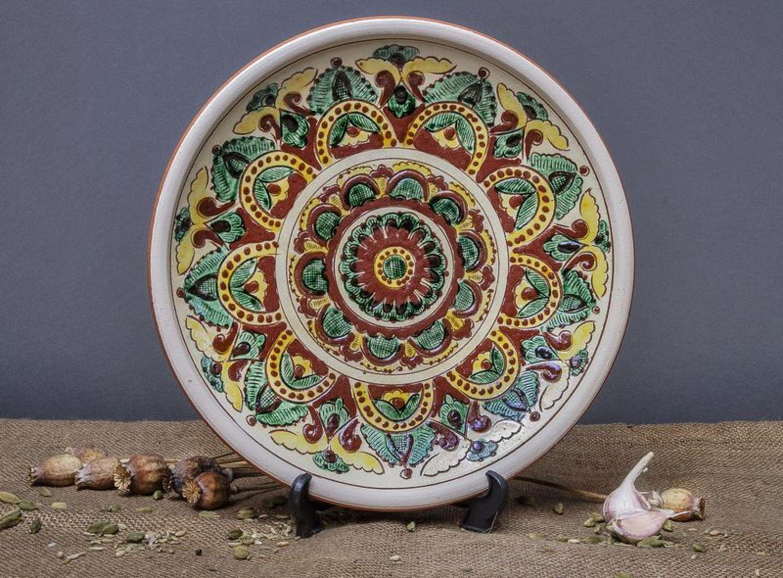 моделей картинки керамические тарелки черная