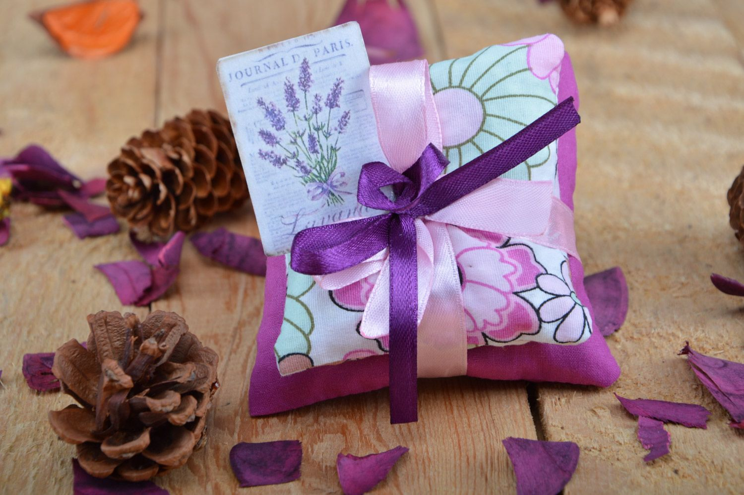Tender handmade sachet pillows sewn of fabric with ribbons with mint Lilac  photo 5