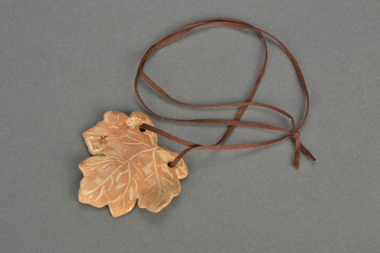 Homemade neck pendant Maple Leaf photo 3