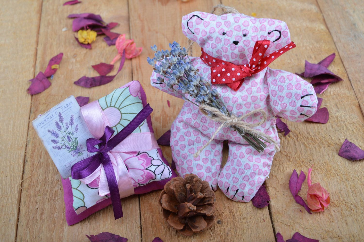 Set of handmade sachet pillows with herbs and soft fabric toy bear 3 items photo 5